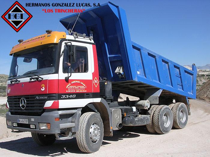 Camiones-basculantes-volquetes-tres-ejes
