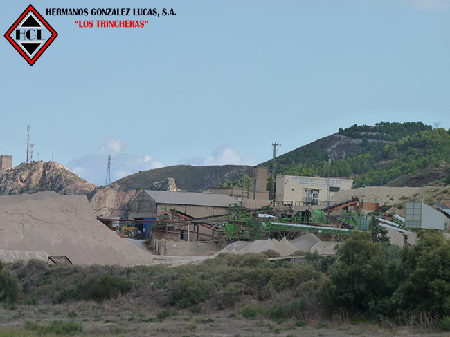 Empresa de áridos, demoliciones, excavaciones.